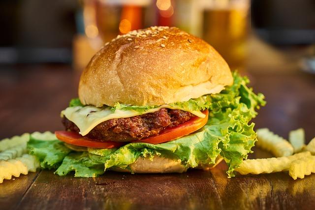 hamburger z sałatą